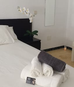 Boutique rooms with private bathroom, located in a seaview traditional house nearby  Papa Luna's medieval Castle, beach 5 min. walking, in shopping & restaurants area in village centre, close to the Irta Natural Park