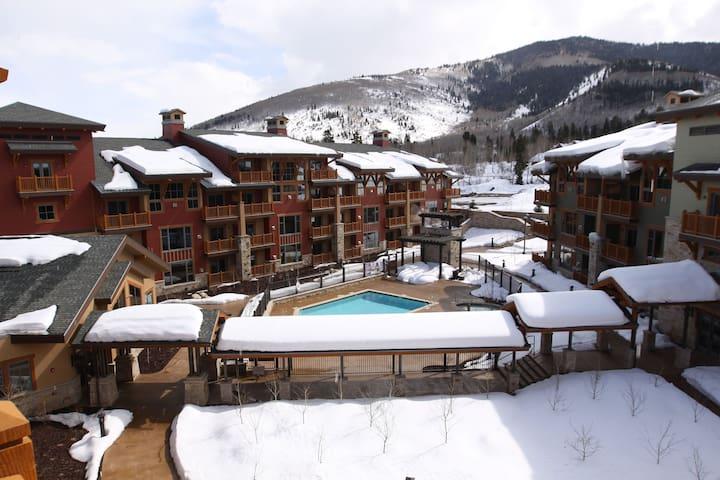 1 BR Hilton Sunrise Lodge HGVC