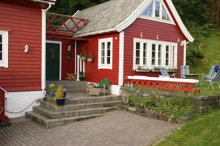 Room in a charming house, Bergen - Bergen - Villa