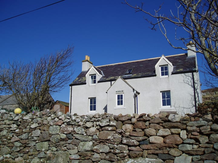 Cottage with sea view on North Coast 500