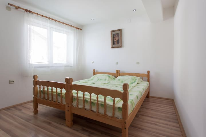 Room for 2 in a lovely house