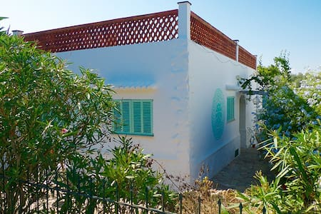 Beautiful house close to the beach - Cala Llombards