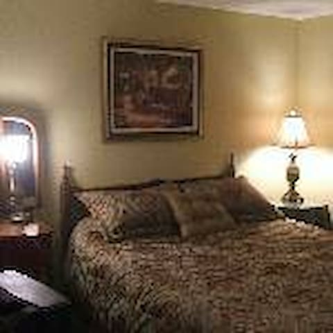 5 ROOMS FOR RENT IN PRIVATE HOME - South Bend - Bed & Breakfast