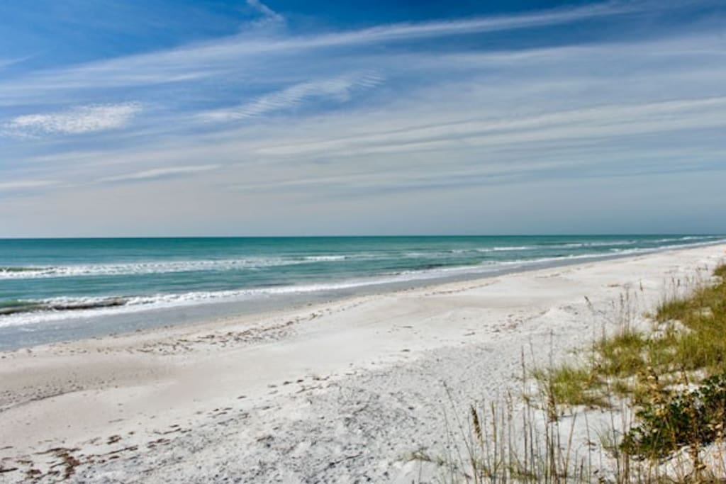 Beach condo 1 bed with fishing dock condominiums for for Fishing treasure island florida