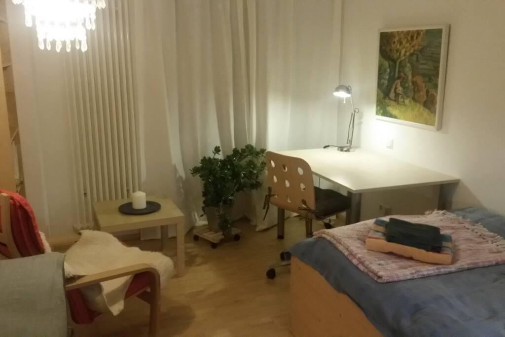 wohlf hl zimmer mit herkulesblick h user zur miete in kassel hessen deutschland. Black Bedroom Furniture Sets. Home Design Ideas
