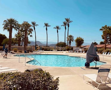 POOL! Private Room/Bath near Polo Grounds, Indio