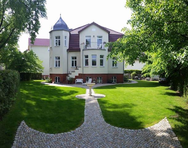 VILLA WEIGERT (Bel Etage) - Birkenwerder - 別荘