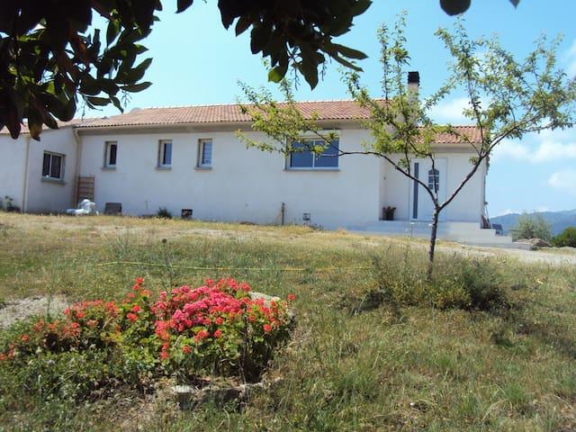 Chambre chez l'habitant  en Corse - San-Giuliano - Bed & Breakfast