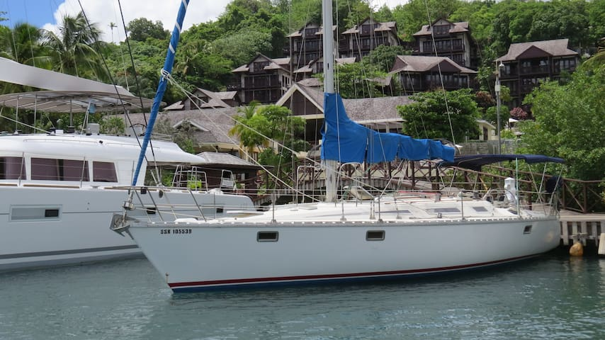Houseboat in beautiful Marigot Bay - Castries - Boot