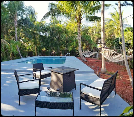 Jungle Florida Paradise