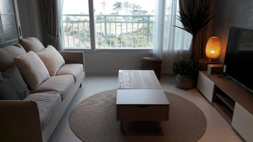 애월모던하우스(바다전망.집전체/청소비없음/주차공간넓음) 방3.욕실2.최대6인