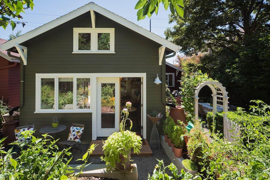 Sellwood garden studio pensione in affitto a portland for Lavatrice stand alone