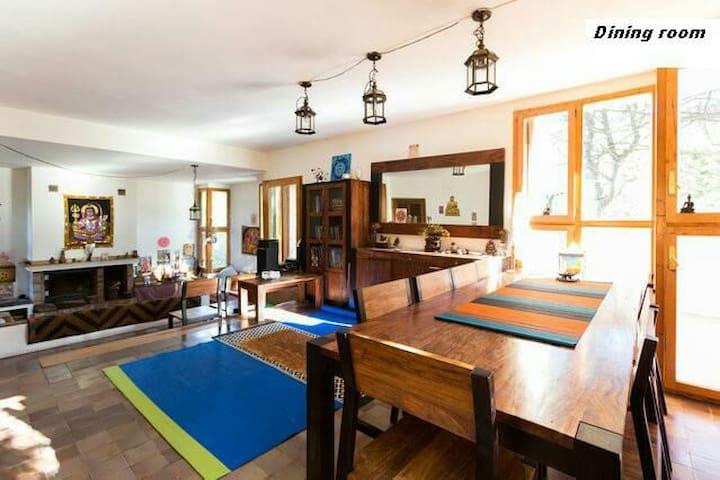 Casa masía en Montaña de Montserrat - Marganell - Huis