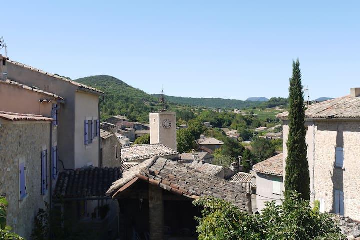 Jolie maison de village - Mollans-sur-Ouvèze - Huis