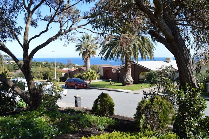 House in Hallett Cove - Hallett Cove - Hus