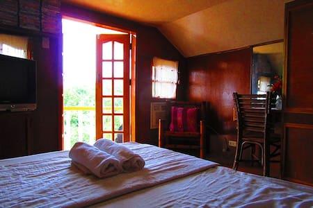 SMALLER BEDROOM WITH BIG SEA VIEW - Cebu City