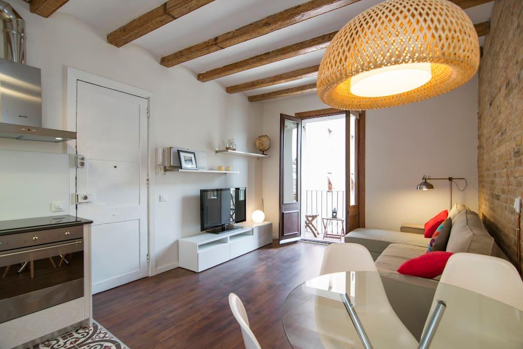 hermoso piso sagrada familia apartamentos en alquiler en barcelona catalunya espa a. Black Bedroom Furniture Sets. Home Design Ideas