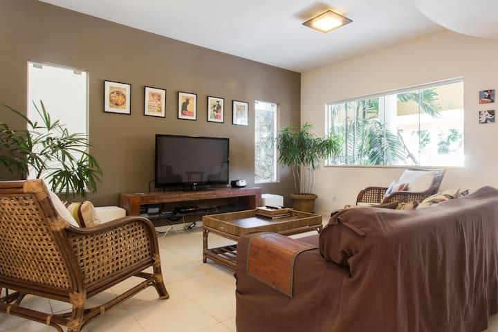 Modern house in Itacoatiara, 4 suites