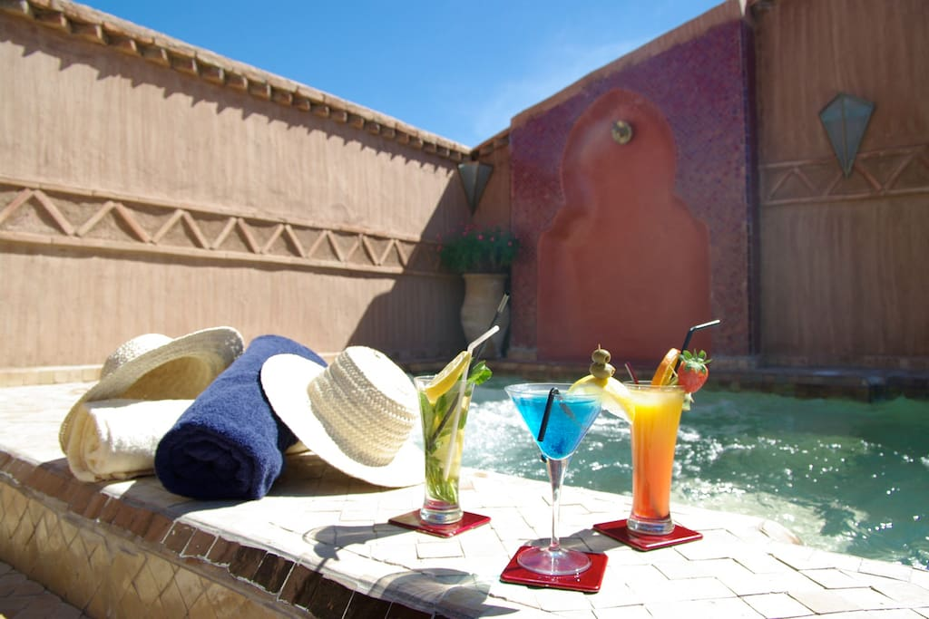 Riad luxueux avec piscine chauff e bed and breakfasts for Riad avec piscine marrakech