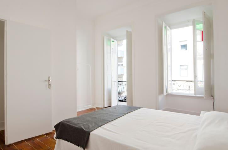 """""""Arroios I"""" - Lisbon classy flat - Lisboa - Daire"""