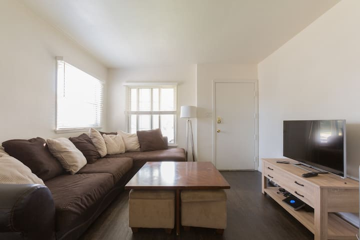 Cozy Apartment Minutes from Beach! - Los Angeles - Apartamento