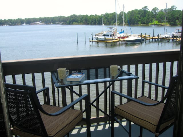 Tranquility on the Bay, ONLY 0.5 to Bay Med. Hosp. - Panama City - Condo