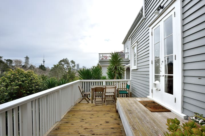 Cute flat close to Parnell Village - Auckland - Daire