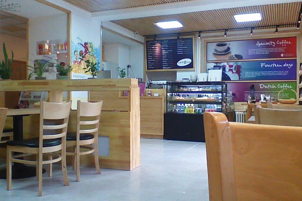 1F Cafe