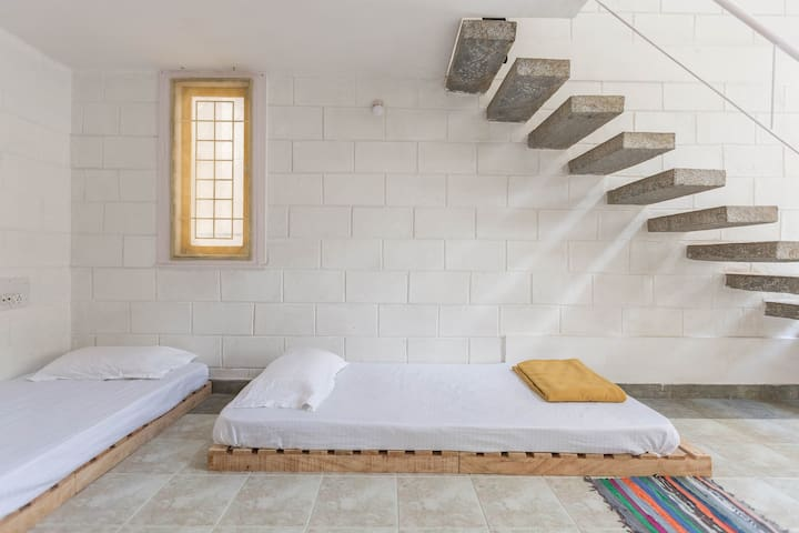 Nature Inspired Hostel- Design+ Eco-living - Bengaluru - Apartment