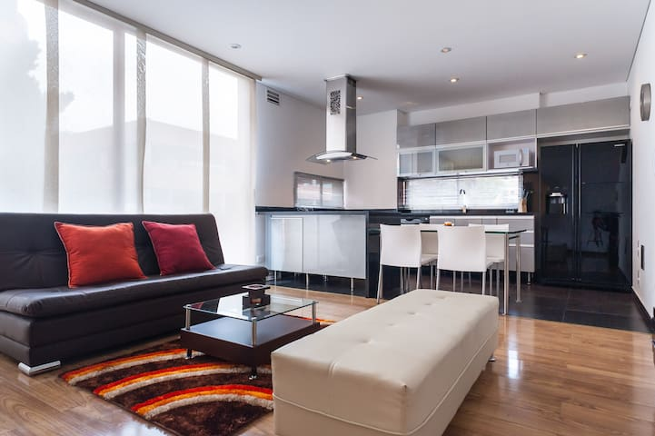 2 BR Serviced apartment to rent swimming pool 93