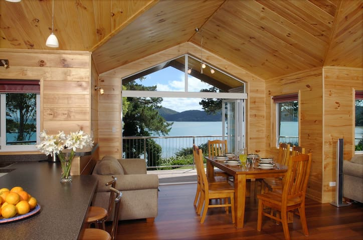 Breakaway Retreat Guest house - Whangarei Heads