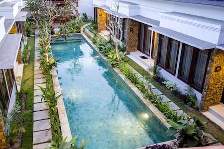 The Light Bali Villas - Kuta - Bed & Breakfast