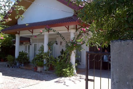 Stunning colonial style villa - Aceh Besar
