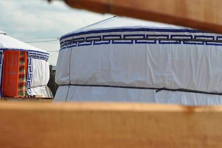Cozy yurtas, reasonable prices - Хужир - Yurt