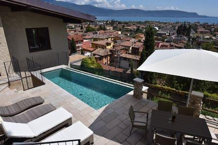 Exklusive Villa m.Traumblick + Pool - Benaco