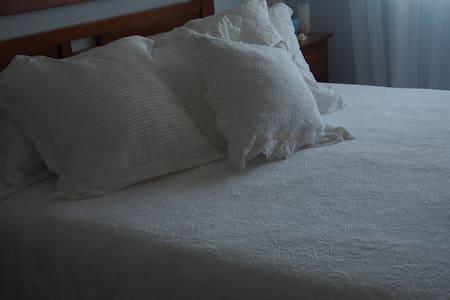 Habitación doble a pie de playa - El Campello - Bed & Breakfast