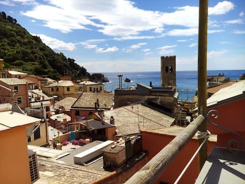 Amazing terrace overlooking the sea