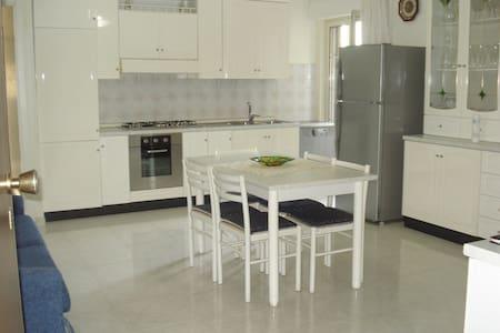 Cozy apartment by the sea - Marina di Gioiosa Ionica - Apartment