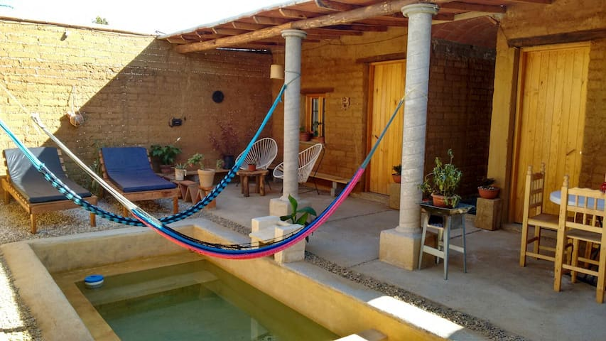 Bungalow with pool,kitchen,living R - San Agustín Yatareni - Hus
