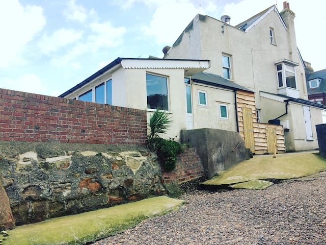 Stunning beach house! On the beach. - Exmouth