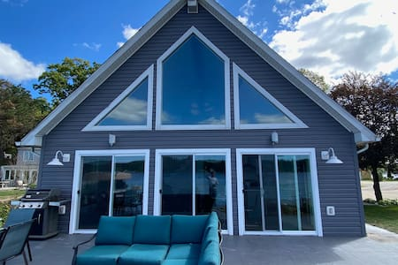 AMAZING LAKE JAMES CHAIN FULLY RENOVATED HOME!