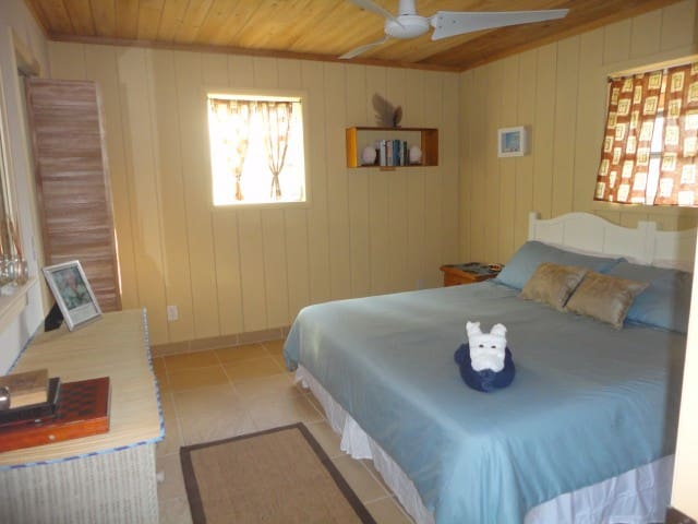 Private Cottage -Close to the Beach - Morris Settlement - (ukendt)