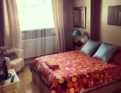 Double room, 5min to Central London