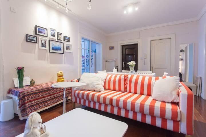 Cozy Ikea room beside metroLine2, best for layover