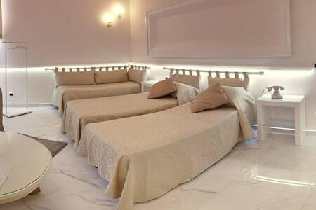 Triple room near to Naples
