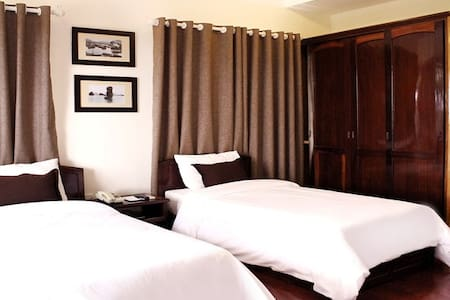 Villa Sup with Twin Beds in Ha Long - tp. Hạ Long - Bed & Breakfast