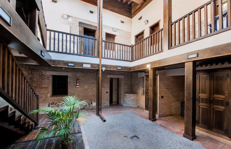 Casa Toledana en pleno centro! - Toledo - Apartamento