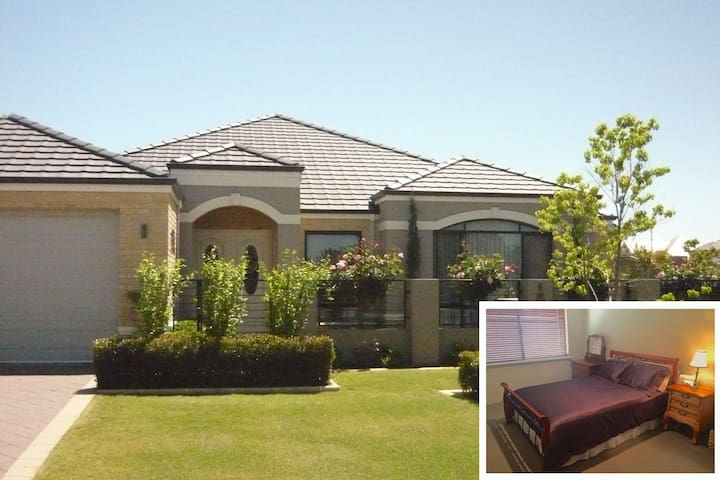 Immaculate home, close to Murdoch hospital and uni - Bateman