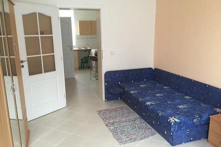 Private room with bed and 3 matters - Podolí u Brna
