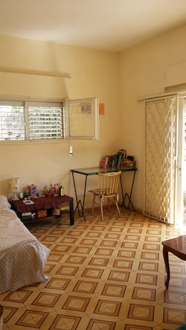 beautiful room in south tel aviv - Tel Aviv-Yafo - บ้าน